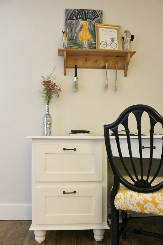 Build Your Own Corner Desk {That Looks Like A Pro}
