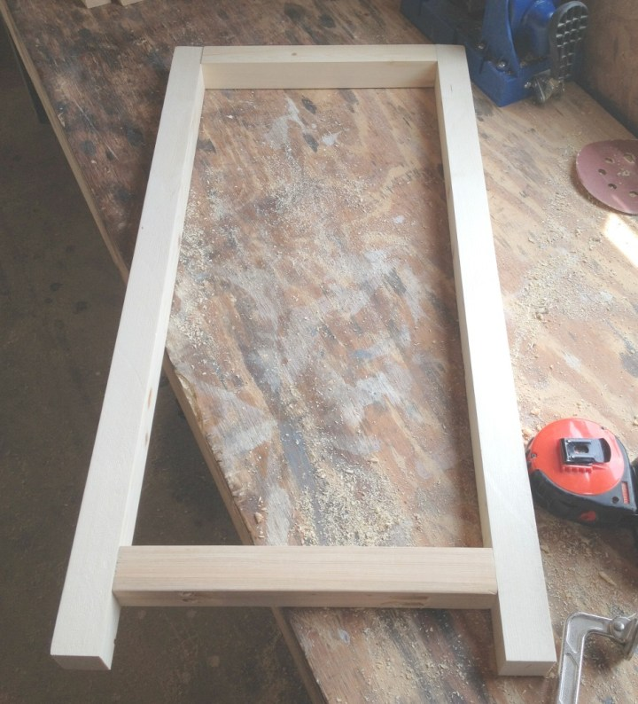 Middle 2x2 support frame for aquarium cabinet to support weight
