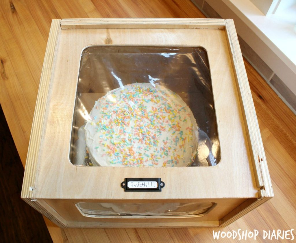 How to build a DIY Wooden Cake Box from Wood Scraps