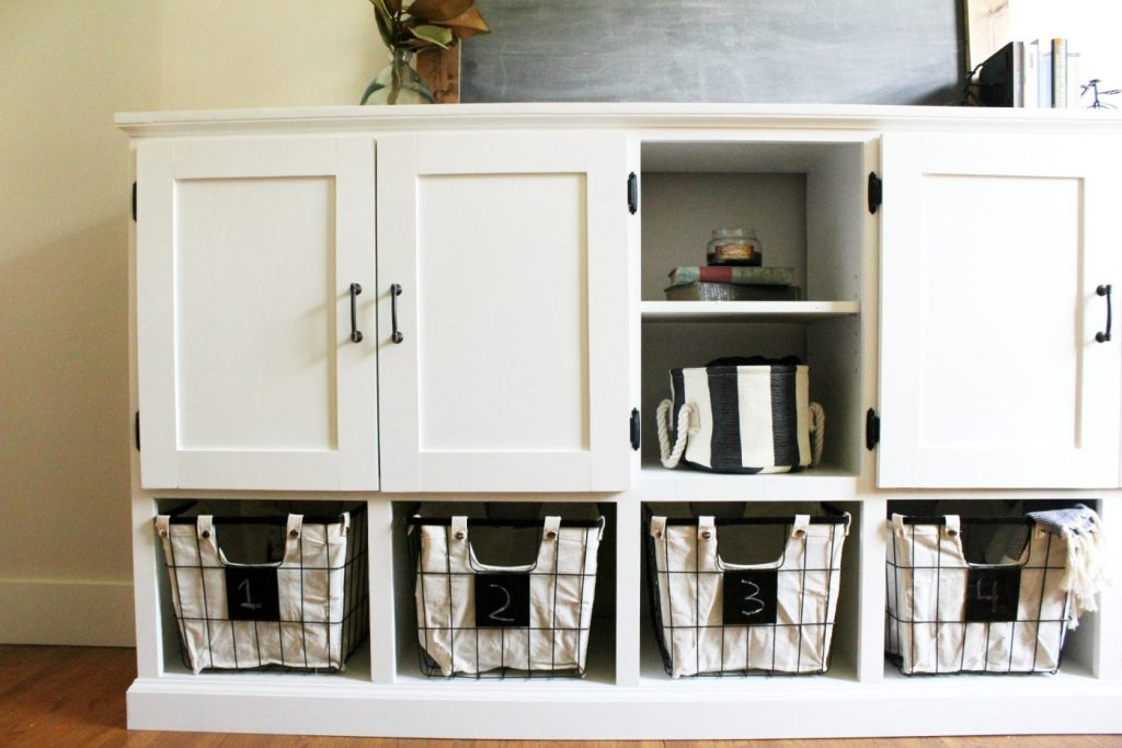 How to build a combination toy storage cabinet