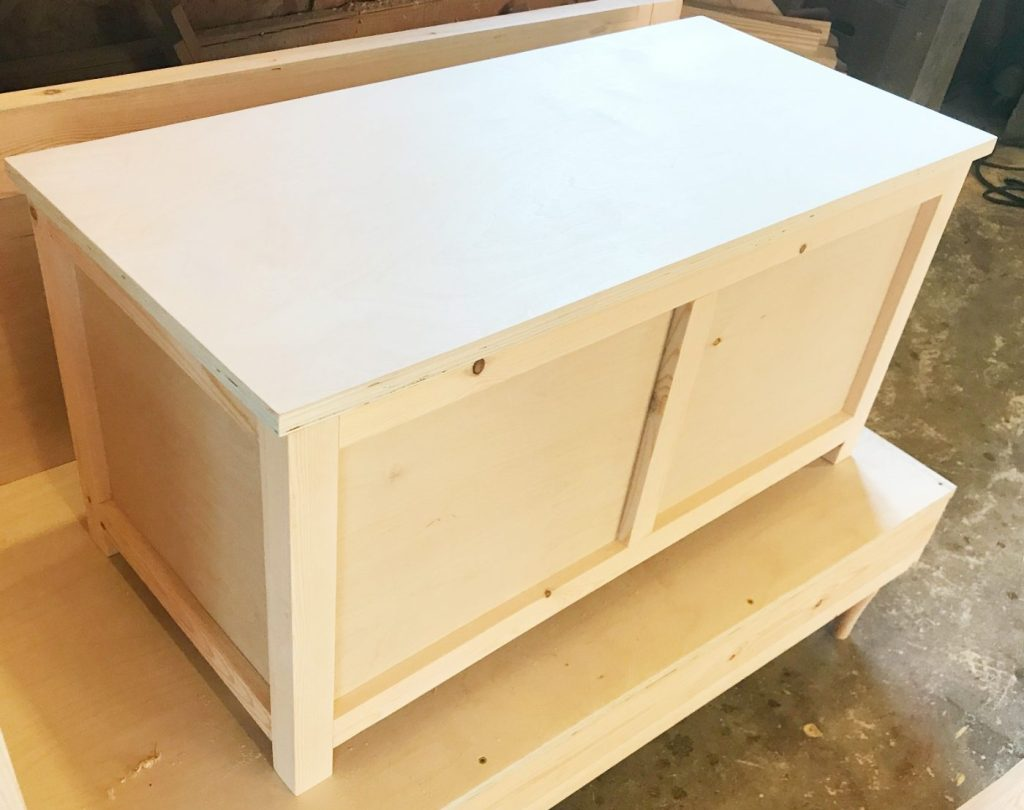 How to build a DIY Storage Chest with plywood top