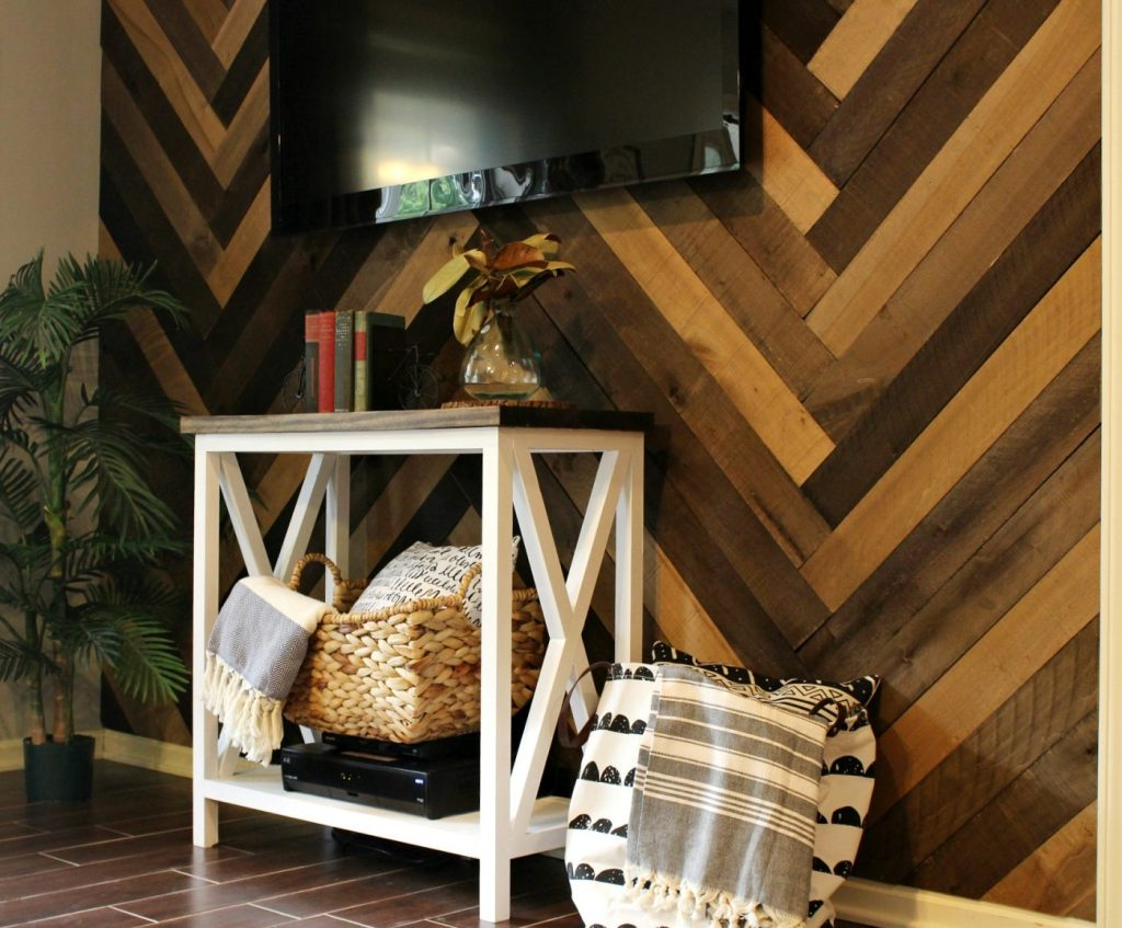 How to install a barn wood wall with herringbone pattern to make a gorgeous accent wall in your living room