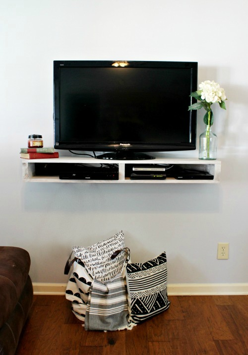 How to Build a Floating Shelf for your TV--free building plans and tutorial to make this modern floating TV Shelf