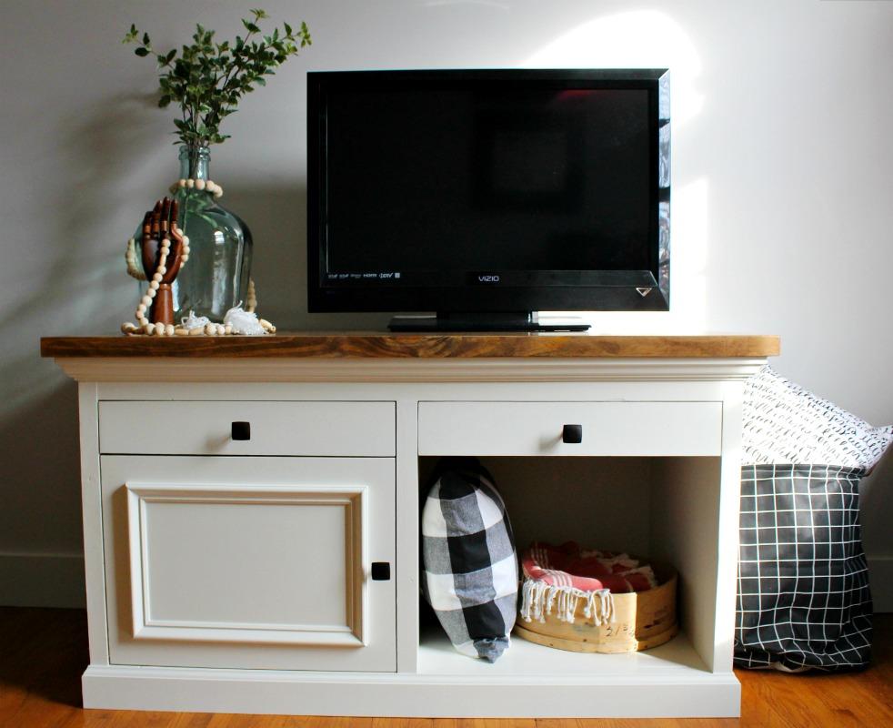How to Build a TV {or Aquarium!} Stand