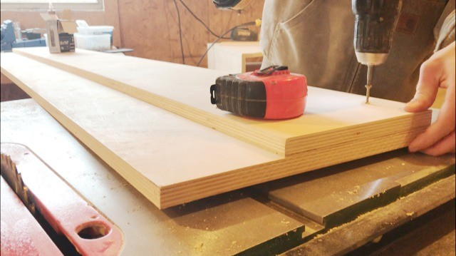 Attaching slat support onto bed rail sides