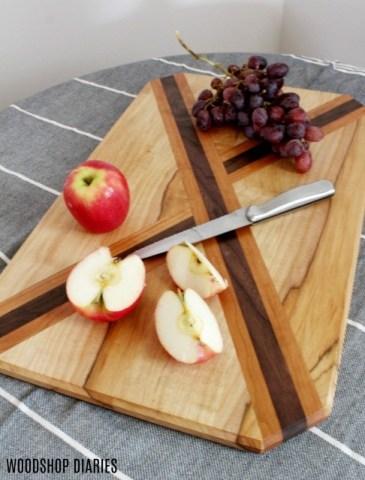 Adorable x design cutting board--great DIY christmas gift idea