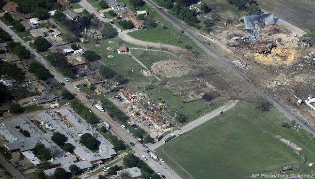 Texas Fertilizer Plant Explosion 051116_213408
