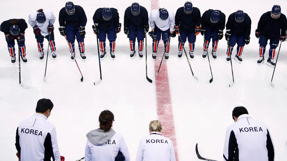 korea_womens_hockey_team_475922