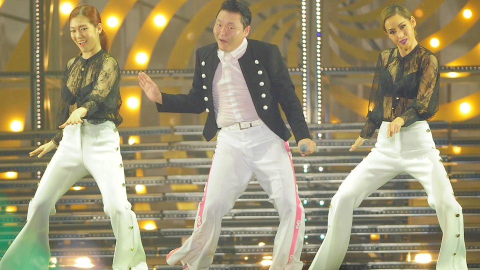 psy-concert-gettyimages-502770260-1024_474383