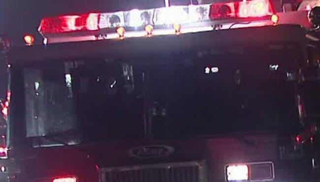 generic-fire-truck night 111817_435604