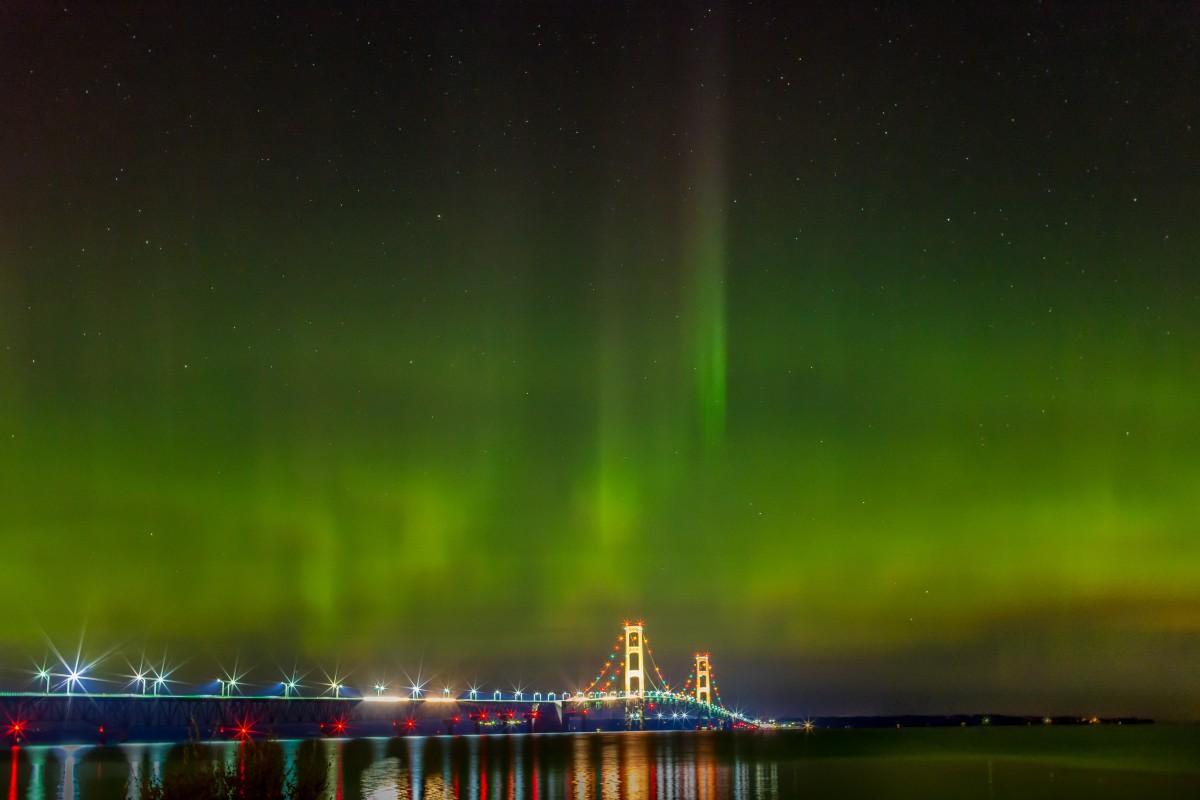 Mackinac Bridge Northerrn Lights_1535325465790.jpg.jpg