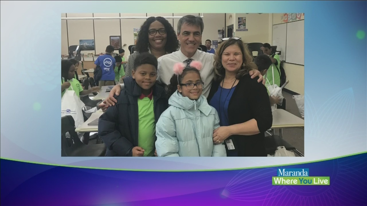 Fifth_Third_Bank_gives_the_gift_of_warmt_0_20181029160620