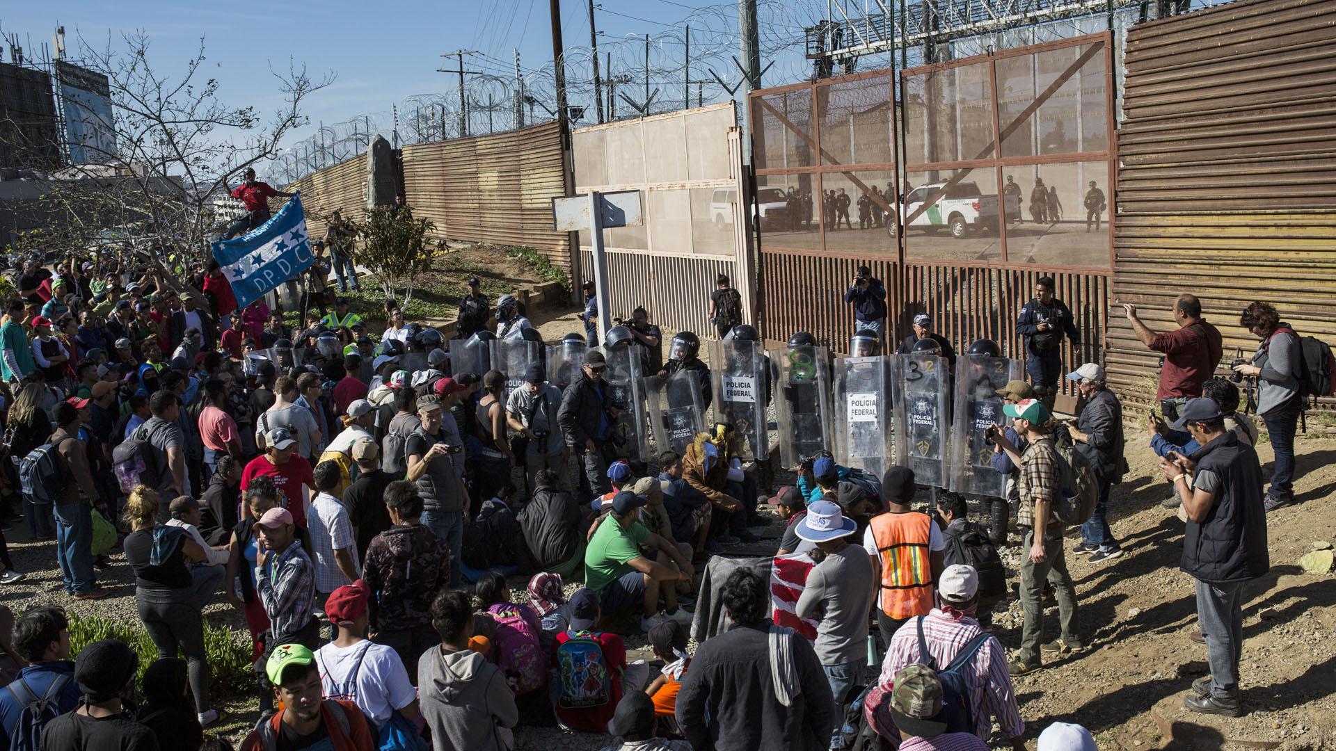 Central America Migrant Caravan 112518 AP_1543190356371