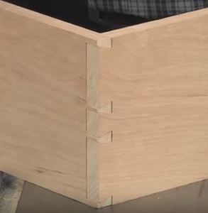 Thorough dovetail Joint