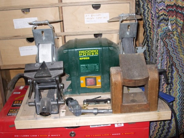 bench grinder sharpening jig