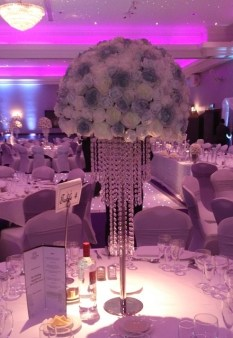 glitzy and glamorous wedding table decorations