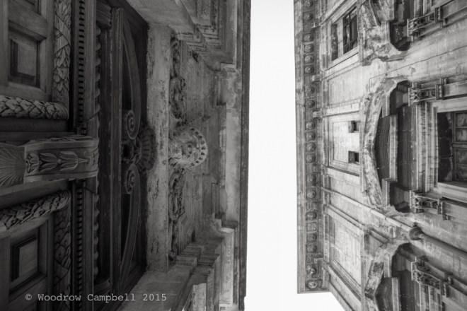 Look up, Avignon style