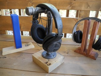 Industrial Pipe Stand Angled w Headphone