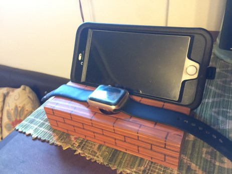 WoodyThings Brick themed Apple Watch Smartphone Dock