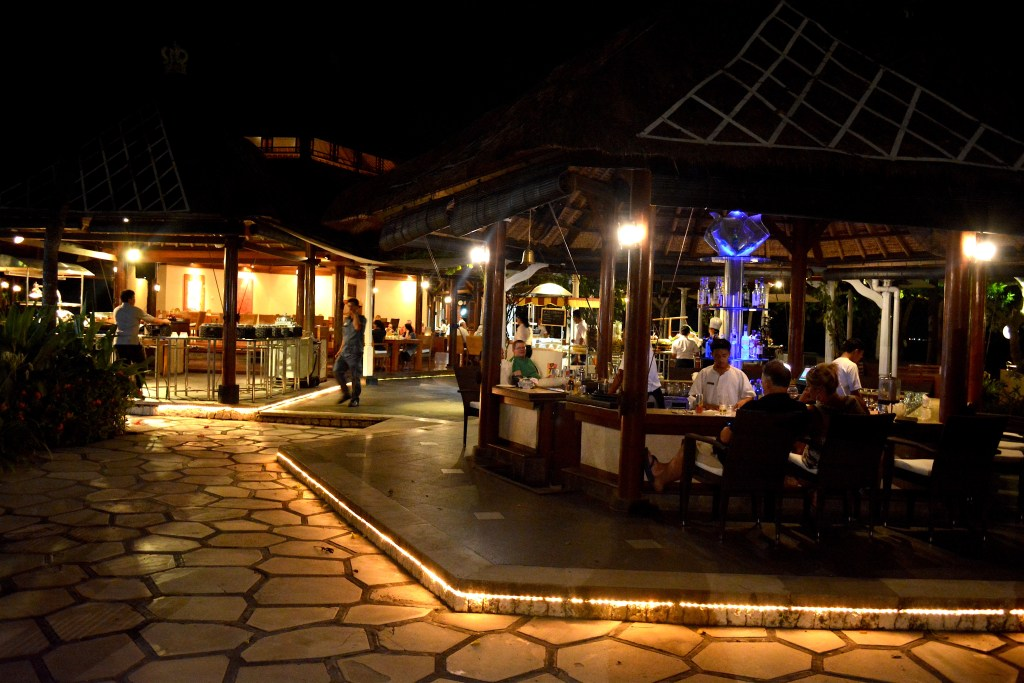 The Westin Resort Nusa Dua By the Water bar and terrace
