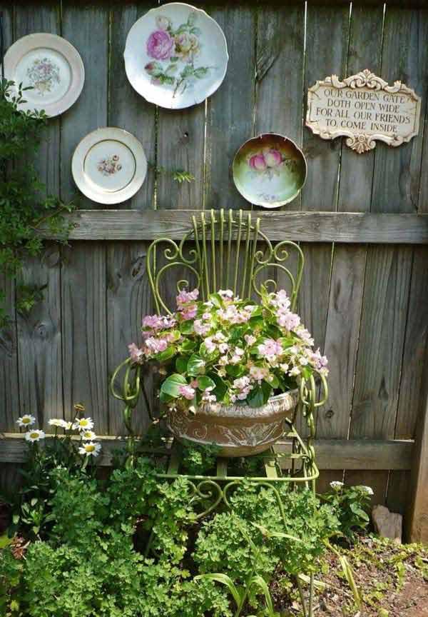 Top 23 Surprising DIY Ideas To Decorate Your Garden Fence ... on Diy Garden Decor  id=14819