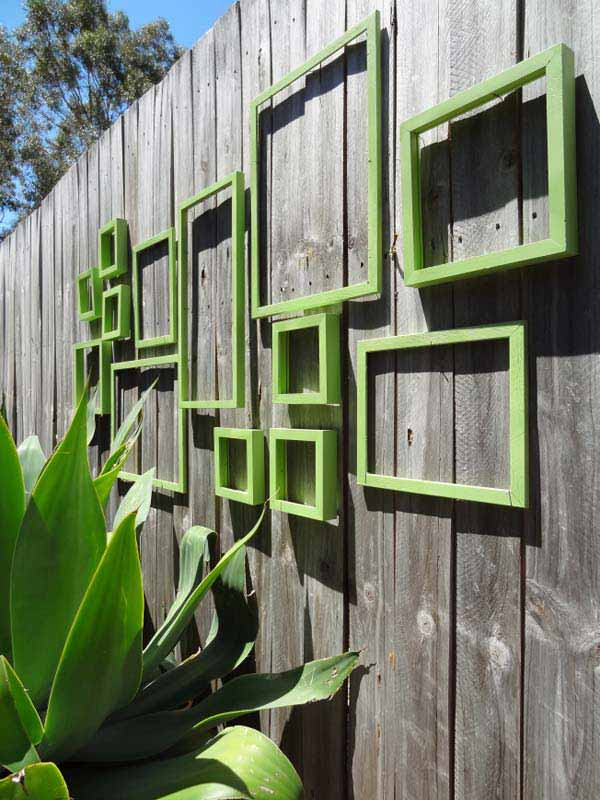Top 23 Surprising DIY Ideas To Decorate Your Garden Fence ... on Backyard Wooden Fence Decorating Ideas id=21575