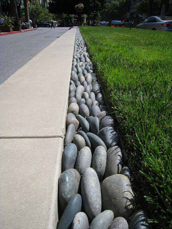 21 Lovely DIY Ideas To Spice Up Garden with Pebbles Art ... on Pebble Yard Ideas id=74318