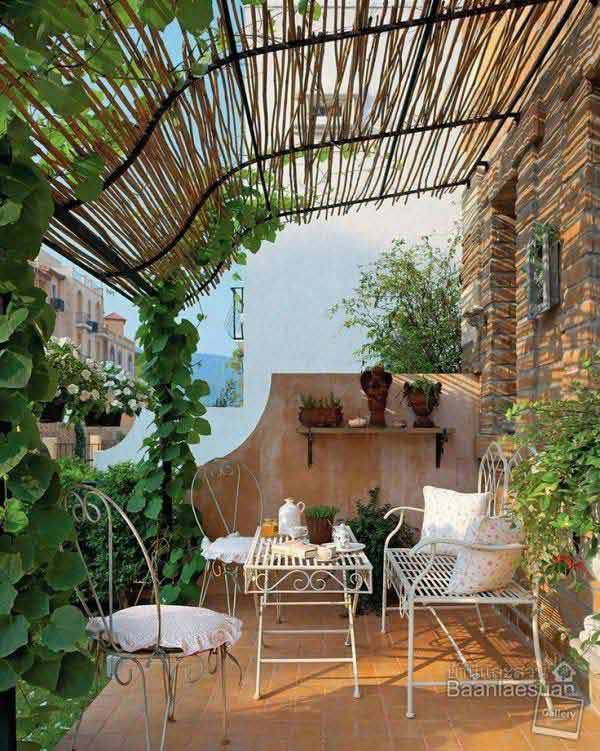 Amazing! 24 Inspiring DIY Backyard Pergola Ideas To ... on Diy Small Patio Ideas id=86011