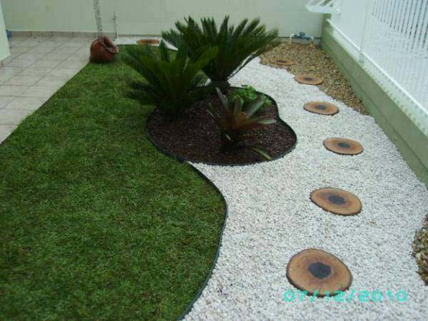 25 Cool Pebble Design Ideas for Your Courtyard - Amazing ... on Pebble Yard Ideas id=89398