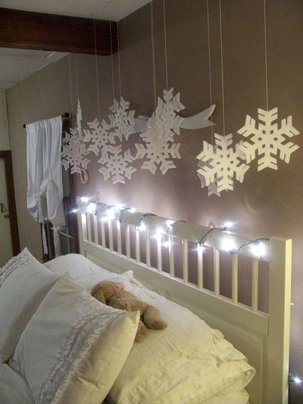 33 Best Christmas Decorating Ideas for Your Bedroom ... on Cheap:l2Opoiauzas= Bedroom Ideas  id=44965