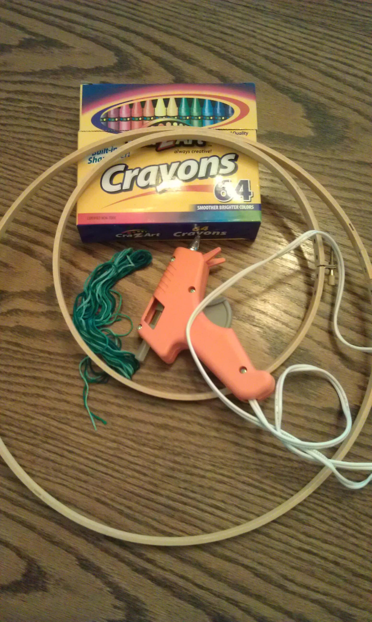 Crayon Wreath Craft Supplies