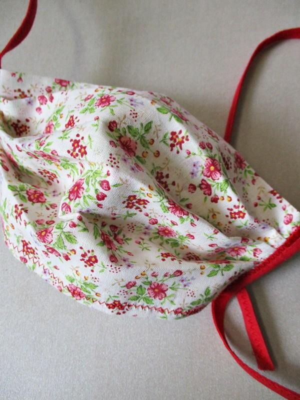 Gesichtsmaske rote Blumen Baumwolle