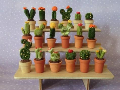 miniatuur gehaakte cactussen via Muffa