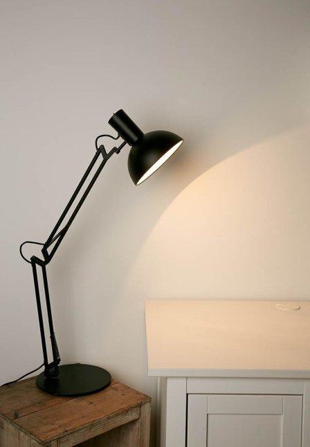 een bureaulamp voor gericht direct licht via zalando