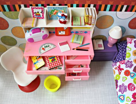 vintage poppenhuis bureau via etsy