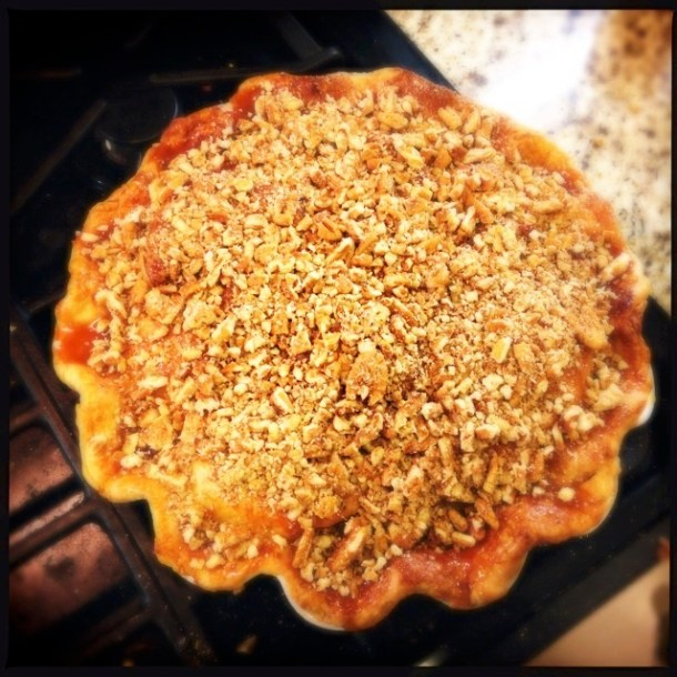 Cinnamon apple pie with caramel pecan topping