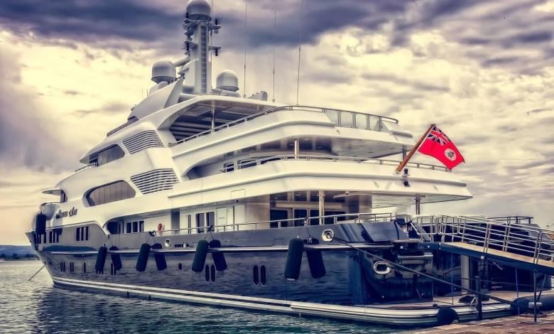 Newport-yacht-charter