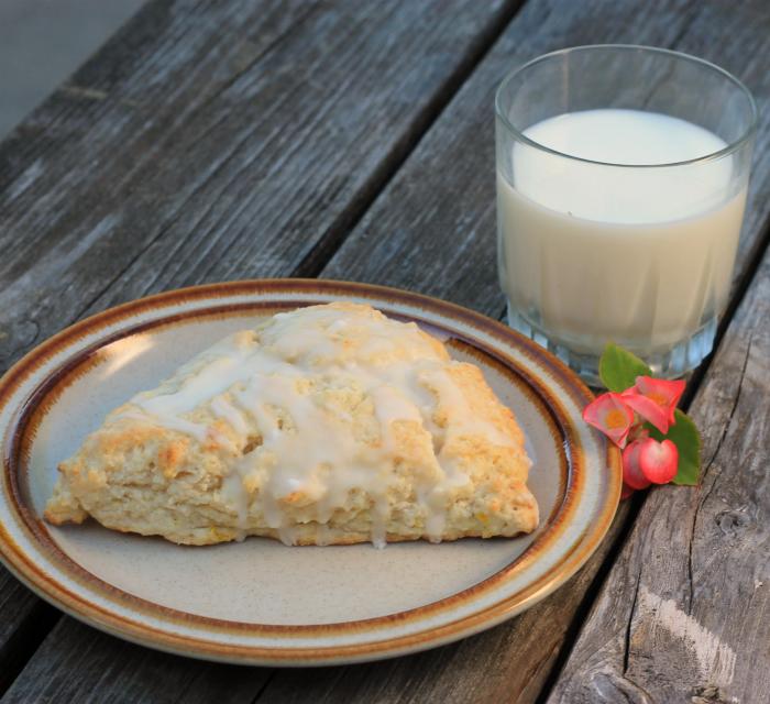 lemon cream cheese scones