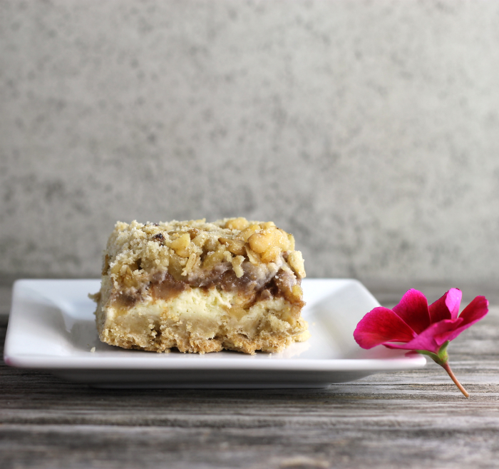 Pear Cream Cheese Crumble Bars