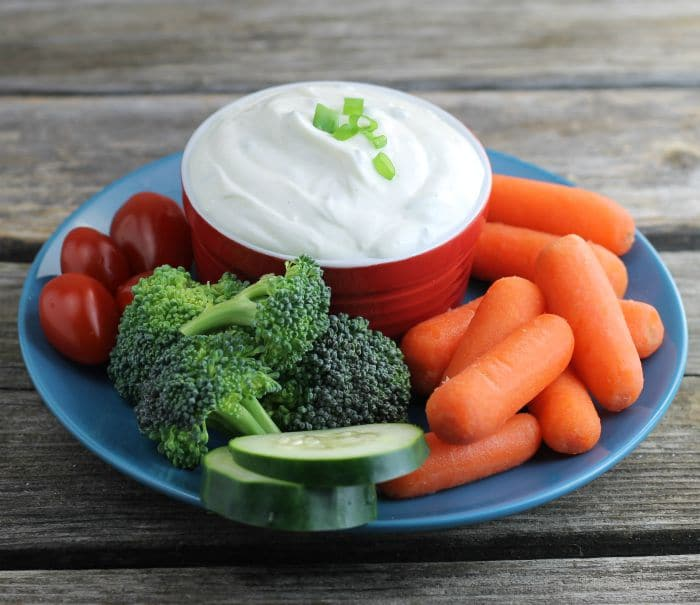 Dip with vegetables
