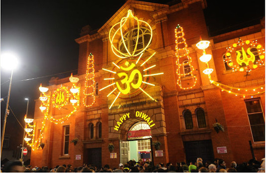 Happy Diwali Decorations in the UK | How Diwali Is Celebrated Outside India
