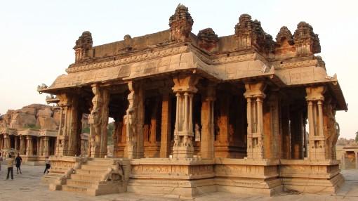 sasivekalu-ganesha-temple