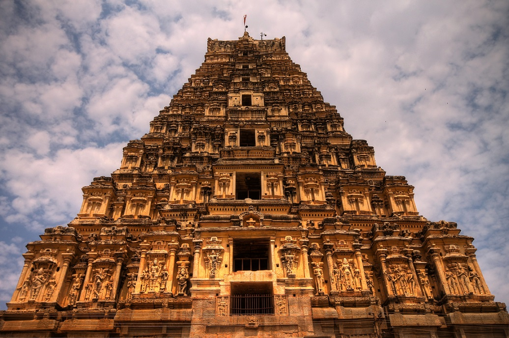 Virupaksha_Temple,_Hampi