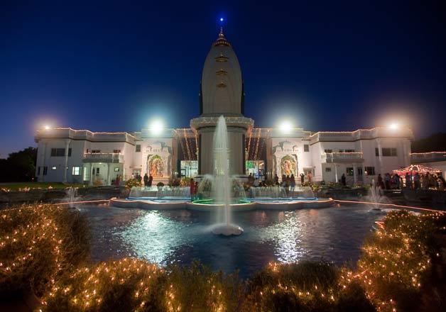 1432906633jkp radha madhavan - 31 Hindu Temples Outside of India that You Should Visit