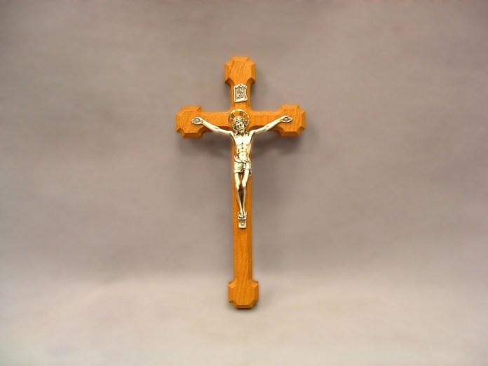 Crucifix full screen wallpaper