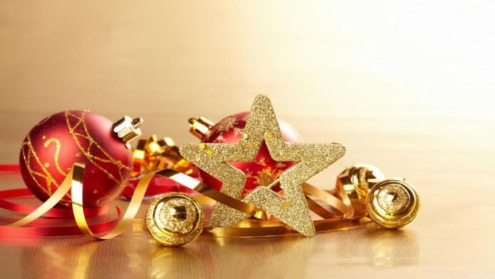 Shining Christmas star with Christmas ball