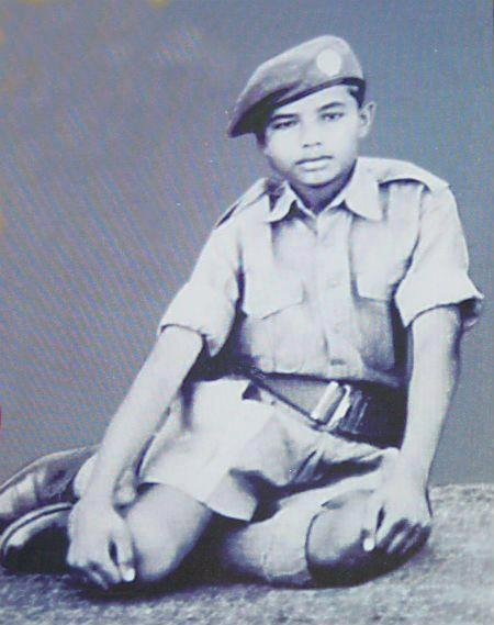 8.Rare Photo of Shri Narendra Modi in NCC during his childhood days.