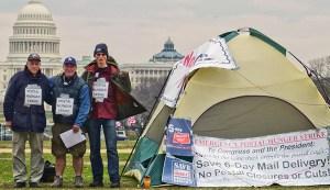 Three hunger strikers take postal struggle to Congress.WW photo: Joseph Piette
