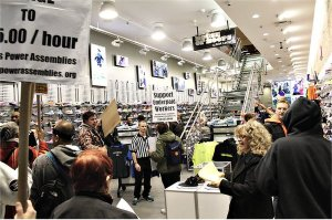 New York: Taking it to the workers.WW photo: Brenda Ryan