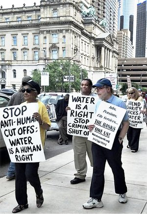 Protest at Detroit Water & Sewerage headquarters, June 6, 2014.WW photo: Kris Hamel